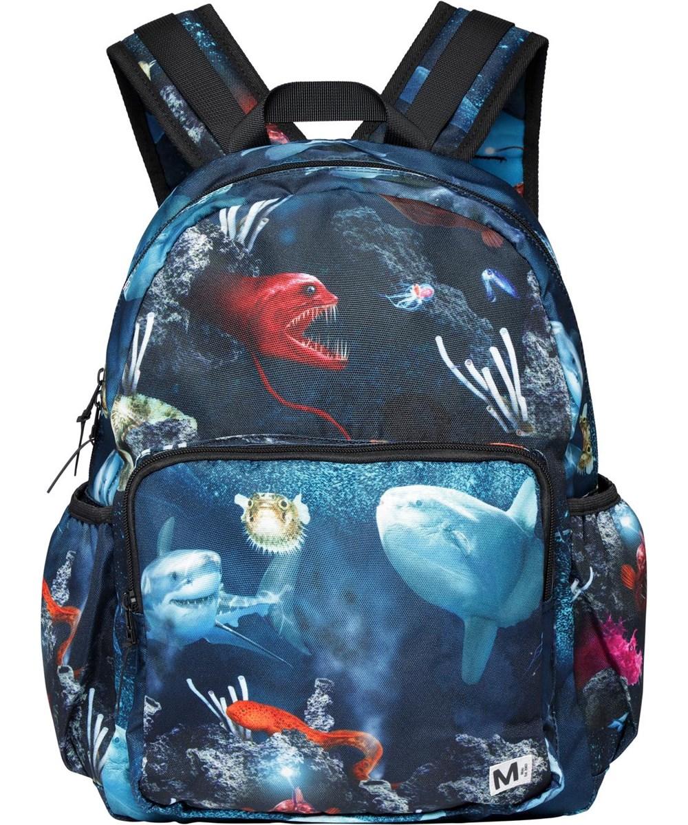 Big Backpack - Deep Sea - Blå återvunnen ryggsäck med fiskar