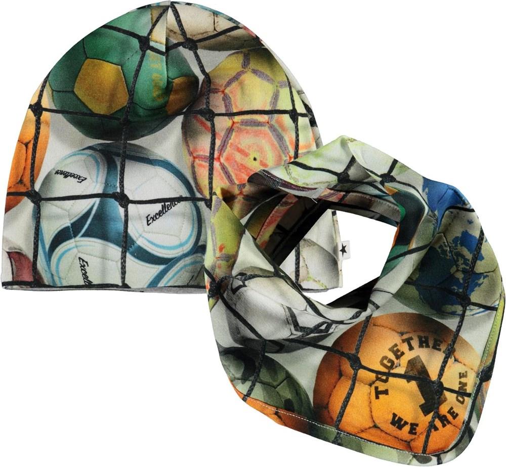 Noon Bib and Hat Set - Footballs - babymuts met slab met voetbalprint