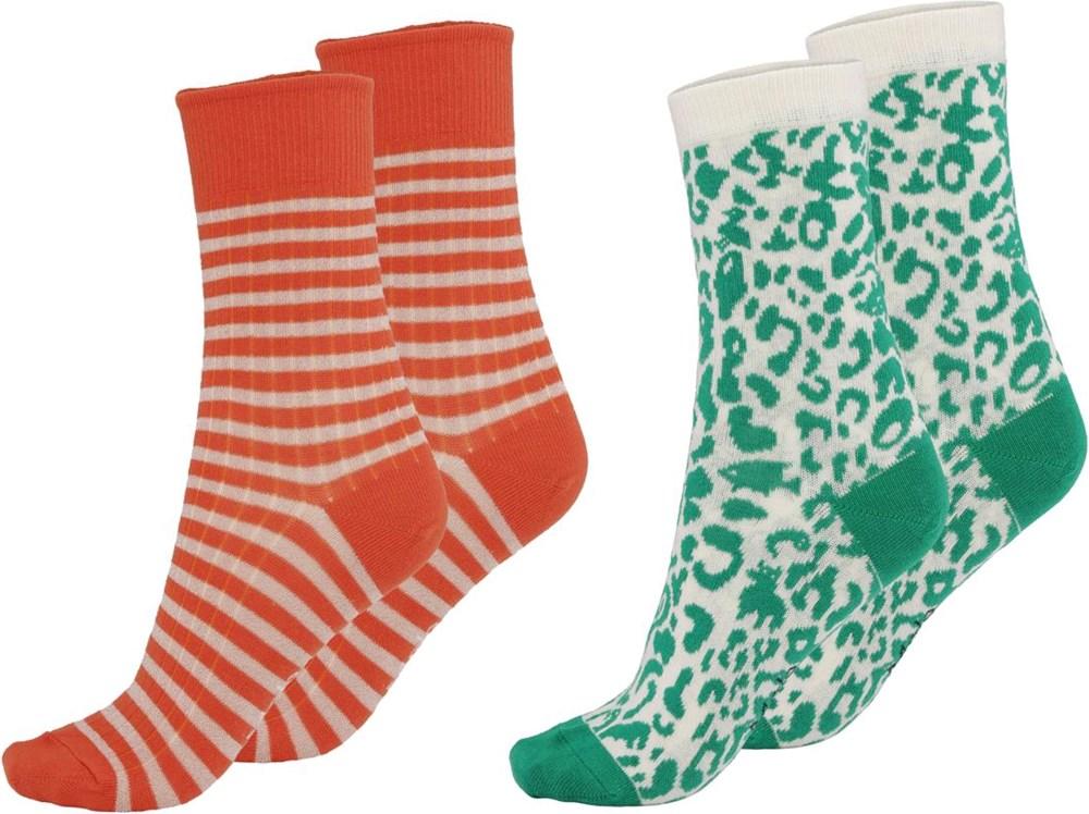 Nomi - Hope - Twee paar sokken in luipaard en rood