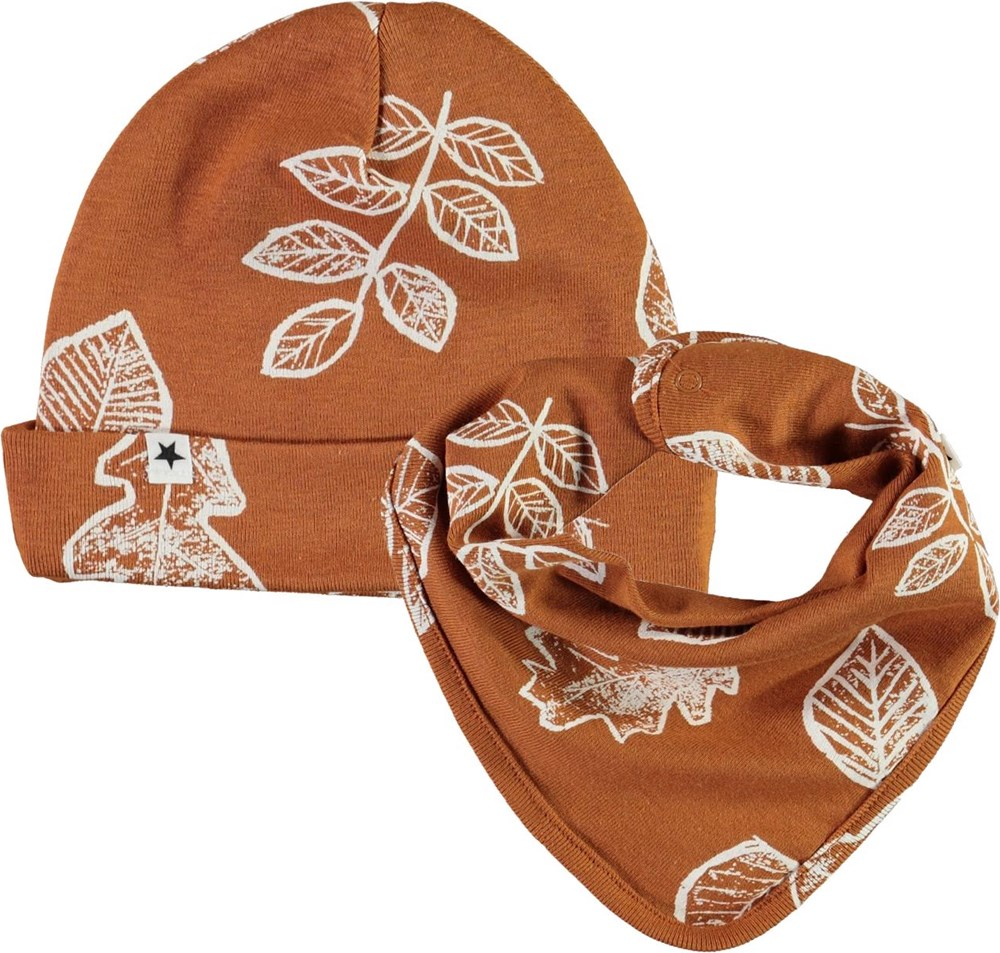 Noe Hat and Bib Set - Leaves - Brown baby hat and bib with leaves