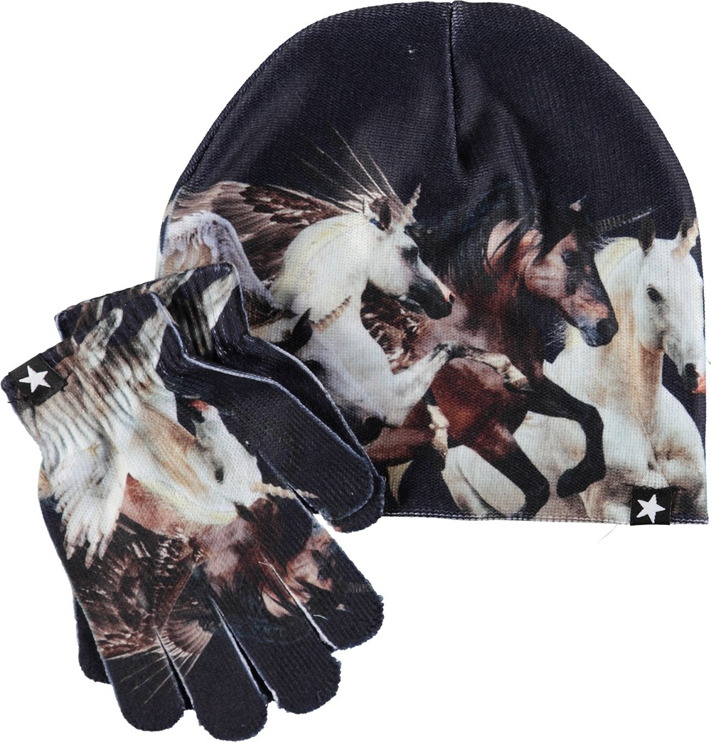 Kaya - Running Unicorns - Dark blue hat and gloves with unicorns.