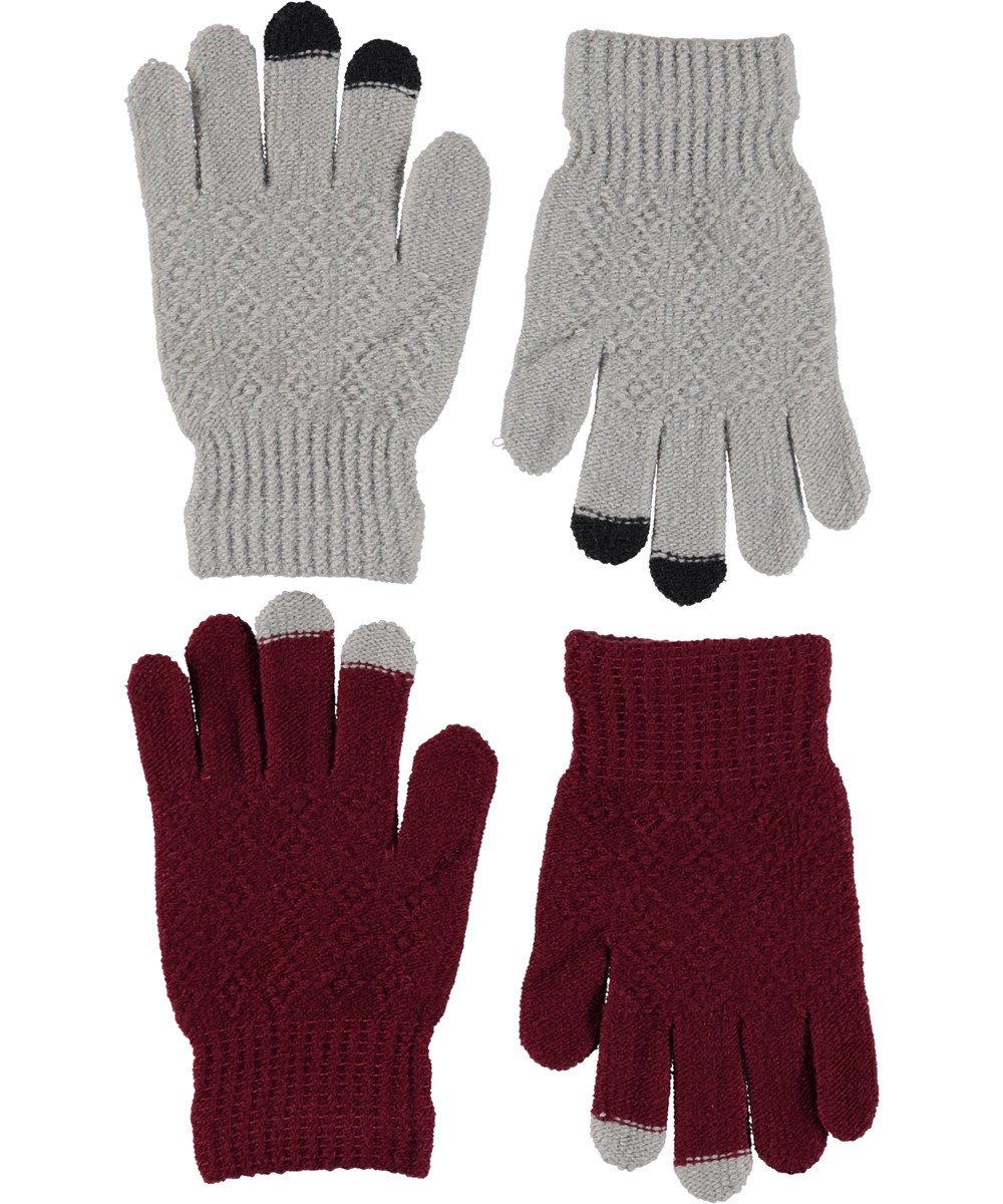 Kyra - Carbernet - Two pairs of knitted gloves