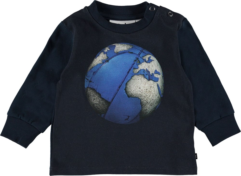Eloy - Basket Globe - Baby top with football planet.