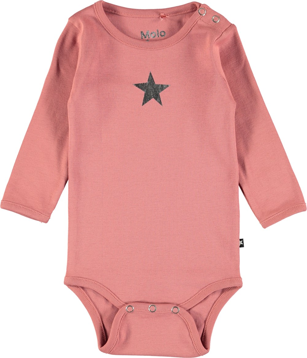 Foss - Blush - Long sleeve baby bodysuit in dark rose with printed star