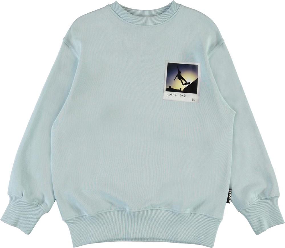 Mattis - Sterling Blue - Light blue sweatshirt with skater print