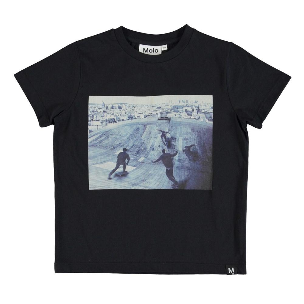 Raddix - Free Skate - T-shirt with skater print.