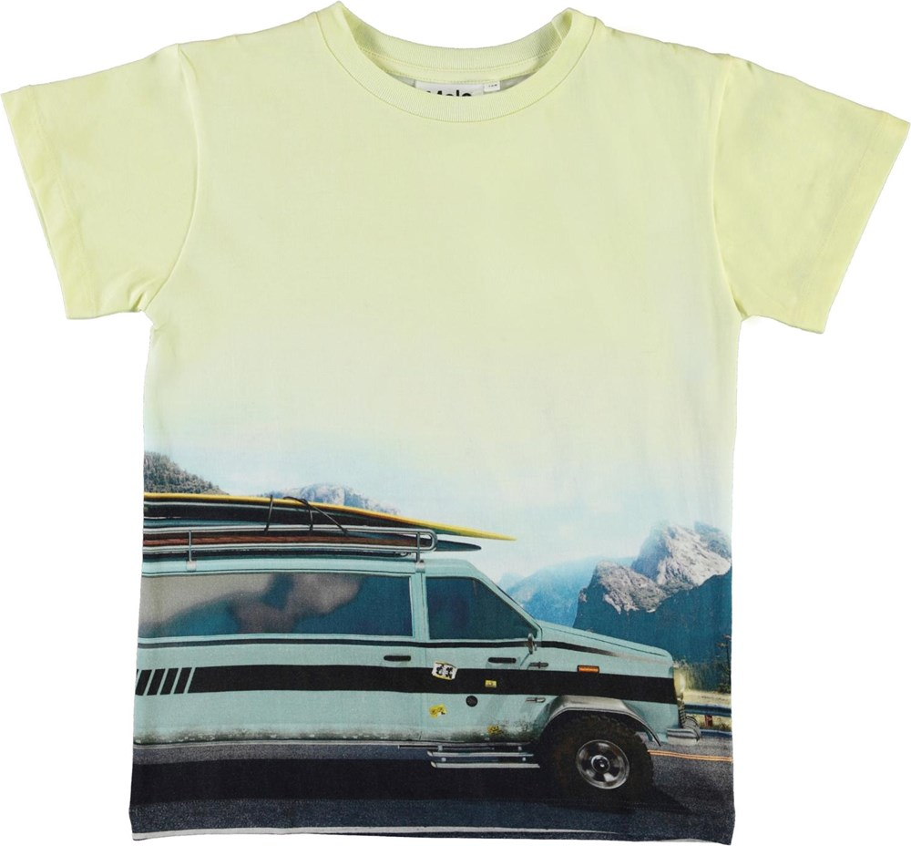 Raul - Road Trip - Yellow organic t-shirt with car and surf