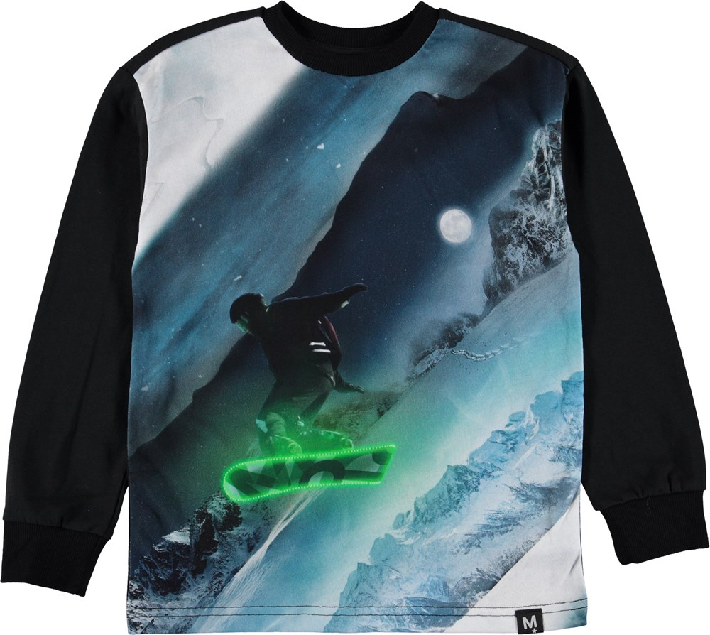 Risci - Night Snowboarding - Black top with snowboarder.