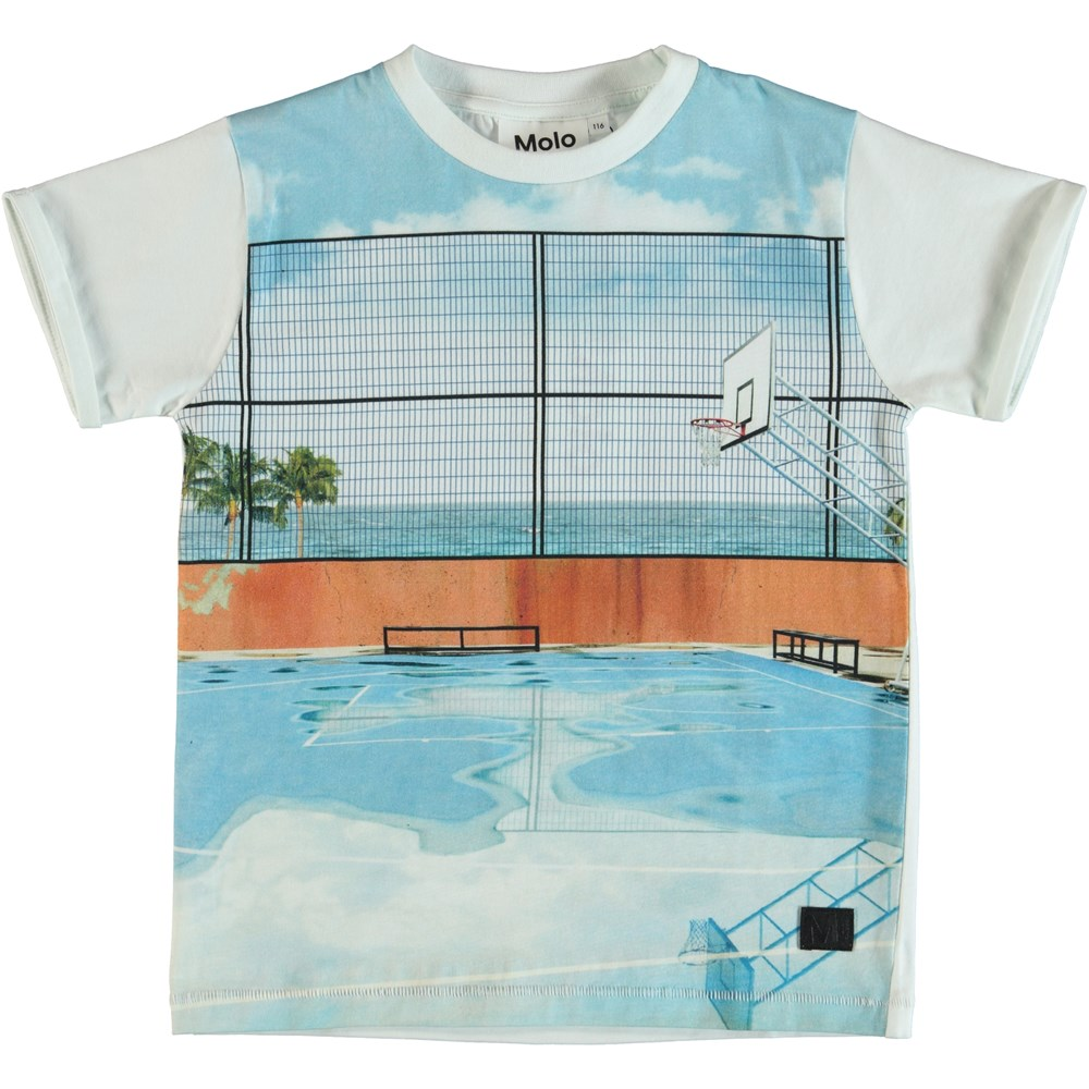 River - Basket Court - T-shirt with basketball court.