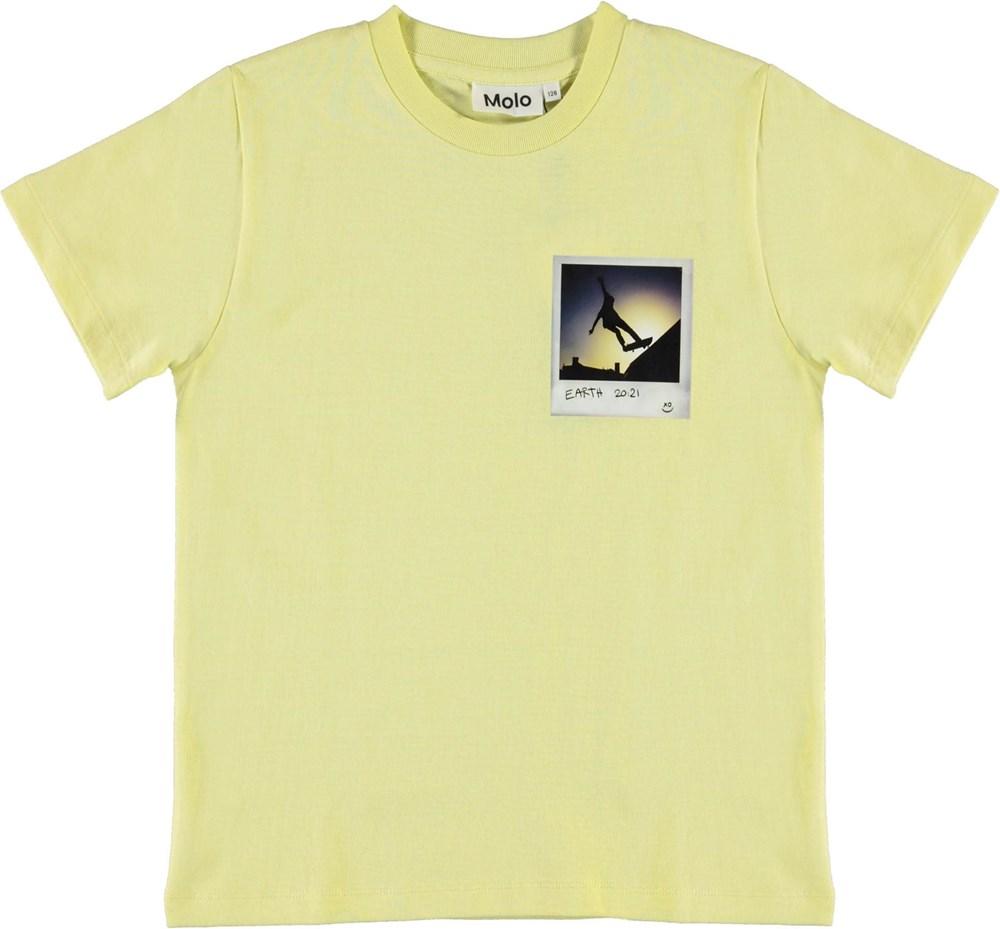 Roxo - Skater Polaroid - Yellow skater t-shirt