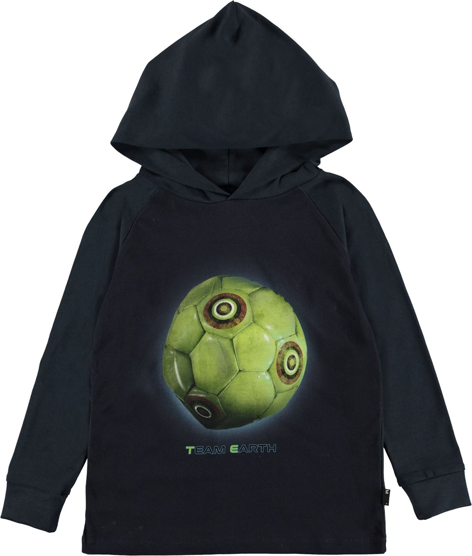 Ramzi - Team Earth - Mørkeblå hættetrøje med fodbold.