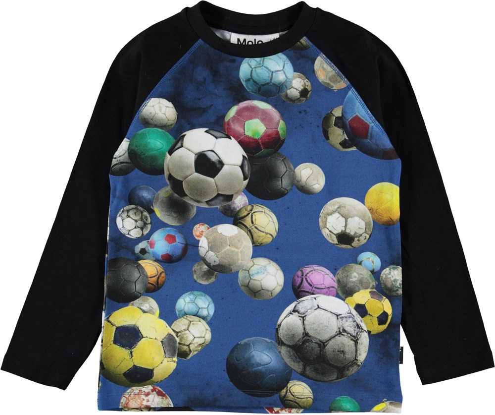 Remington - Cosmic Footballs - Sort bluse med fodbolde.