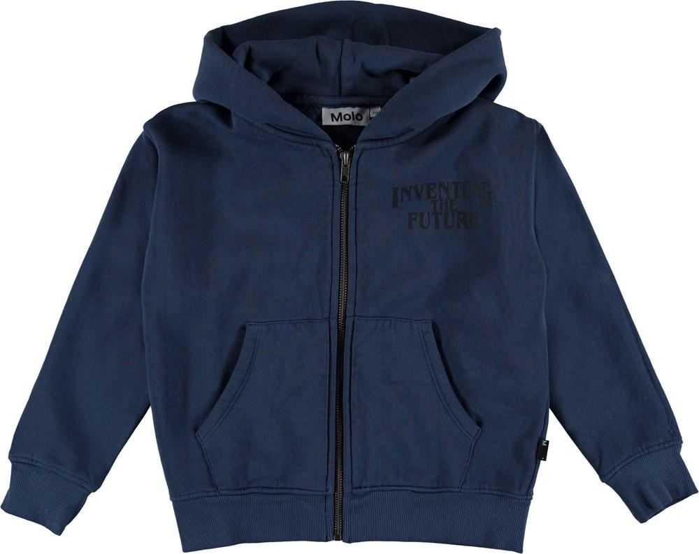Macci - Infinity - Mørkeblå hættetrøje med skrift på brystet.