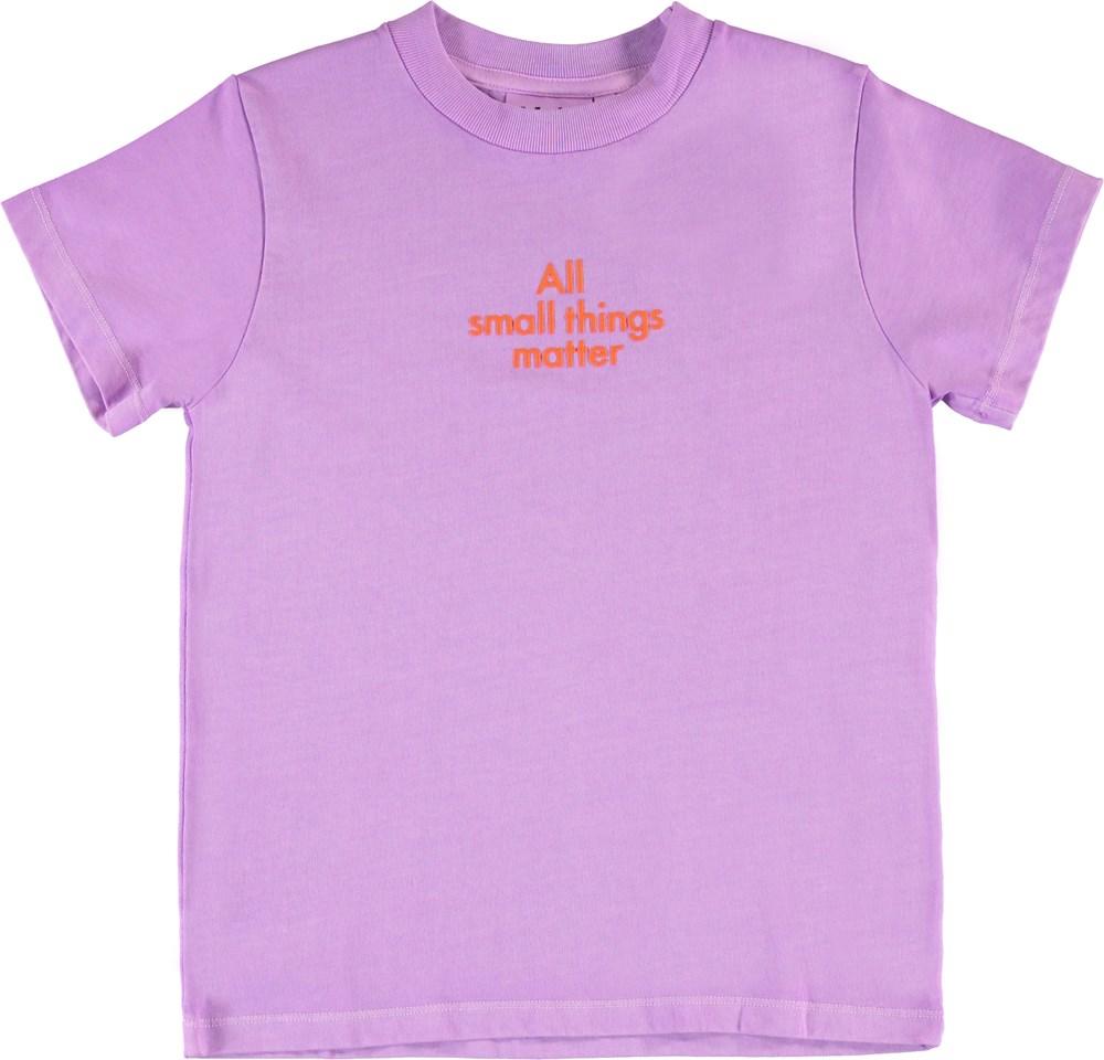 Reeve - Manga Purple - Purple organic t-shirt with red text