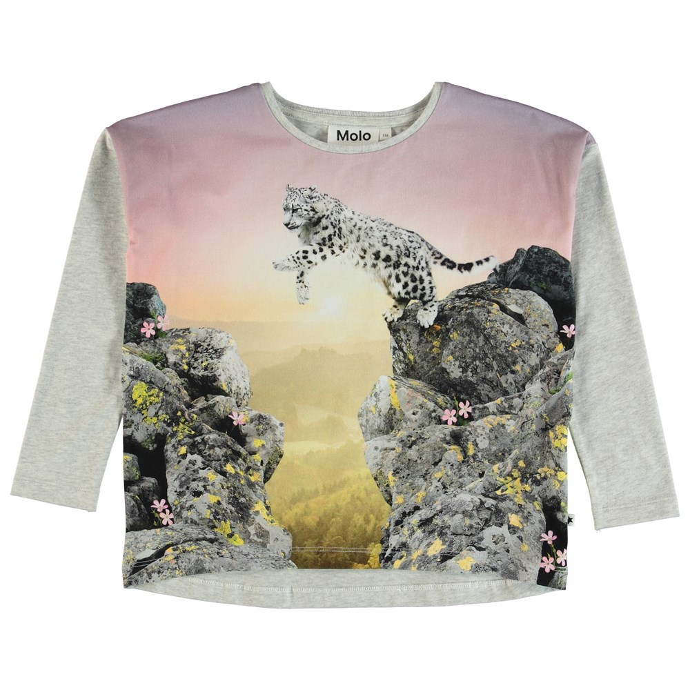 Renate - Jumping Beauty - Long sleeve top with a pouncing snow leopard.