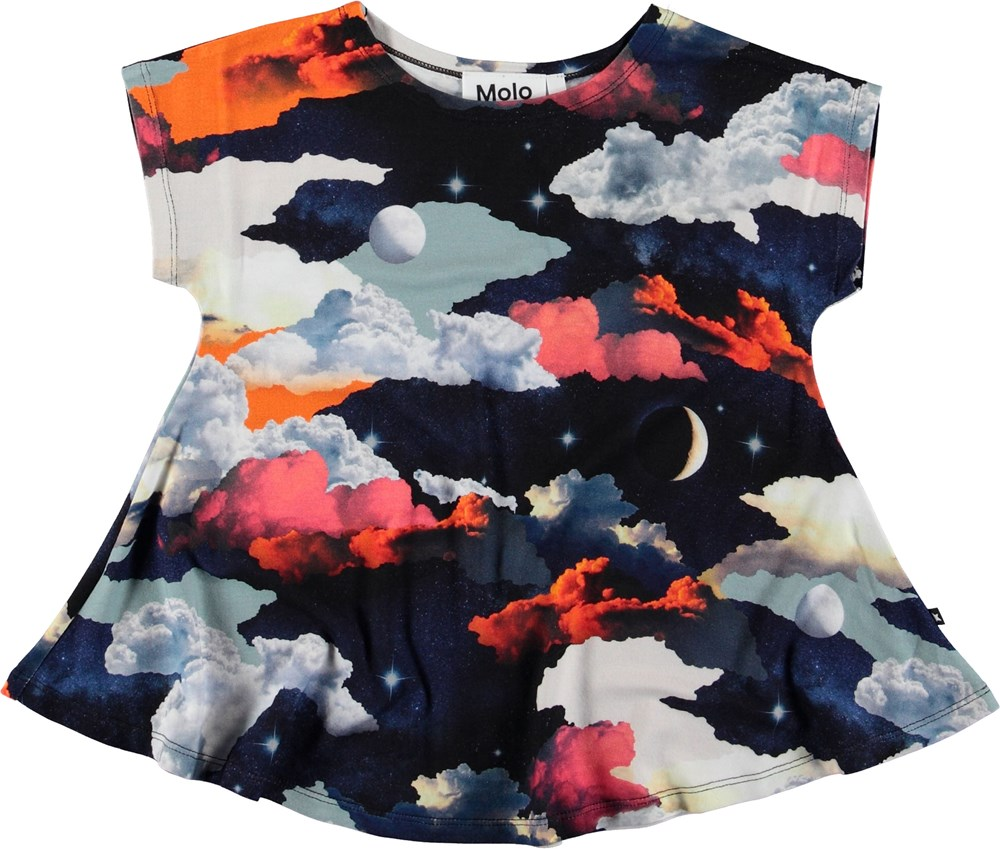 Riva - Moon And Stars - T-shirt with colourful sky.