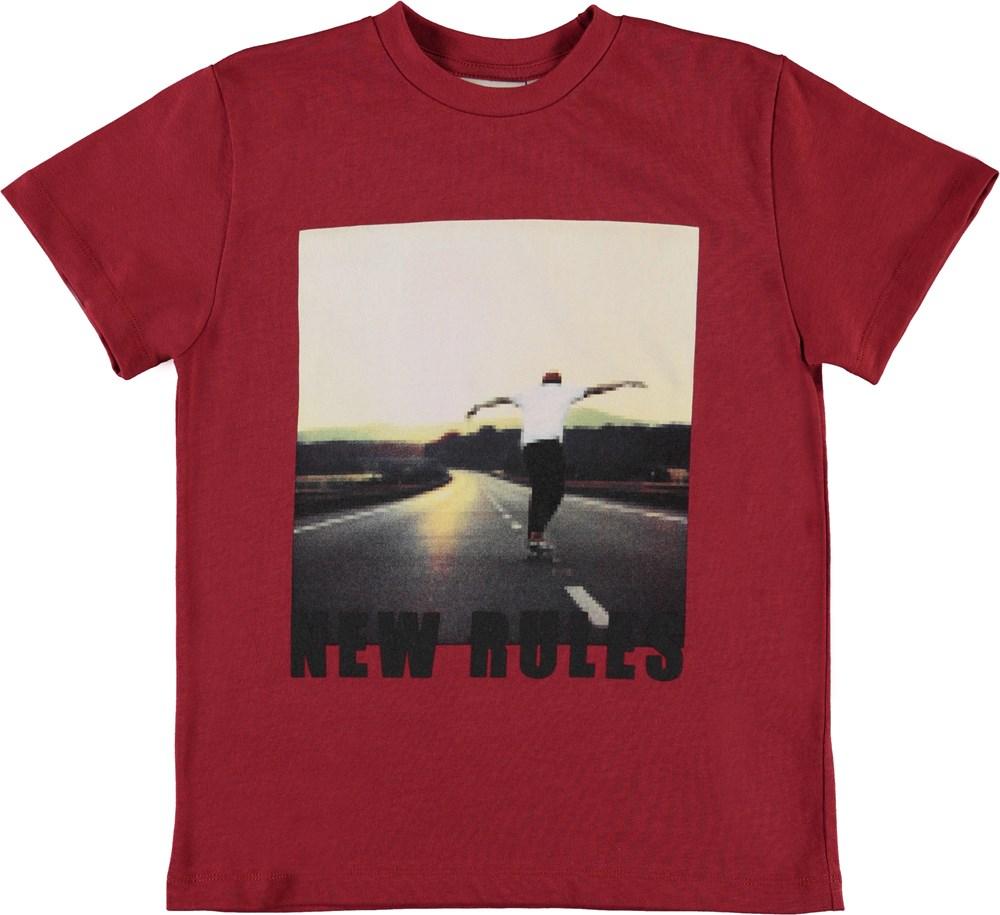 Roxo - Pixel Skater - Ekologisk röd t-shirt med skaters
